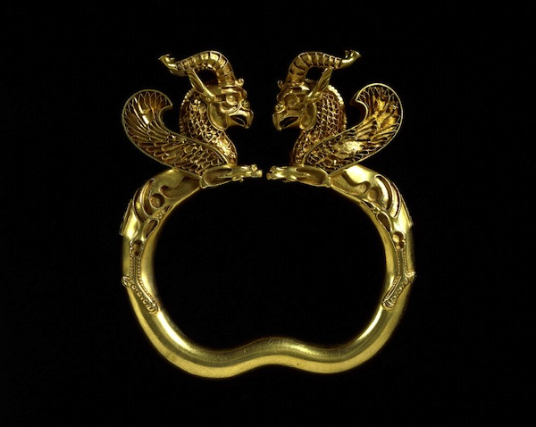 Gold armlet (Oxus treasure), 5-4th century BC, Achaemenid